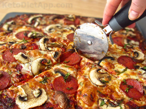 Amazing flour-free Pizza (using Cauli-rice)