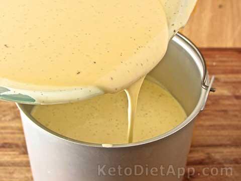 Low-Carb Creamy Vanilla Froyo