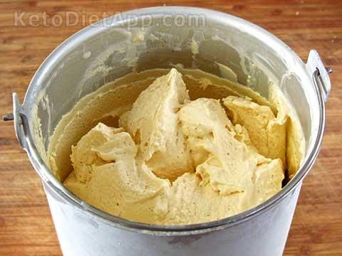 Creamy Low-Carb Vanilla Froyo