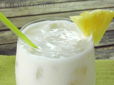 Low-Carb Piña Colada Cocktail