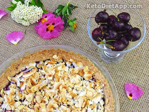 Low-Carb Dark Cherry Crunch Pie