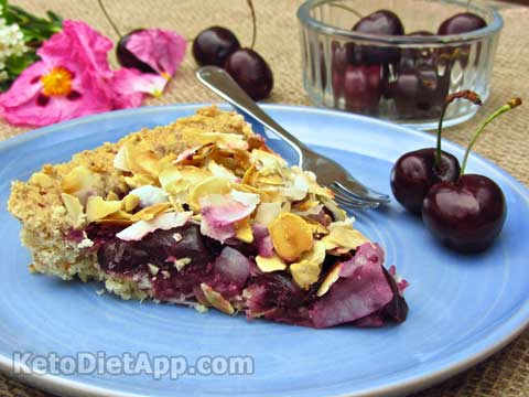 Low-Carb Dark Cherry Crunch Pie