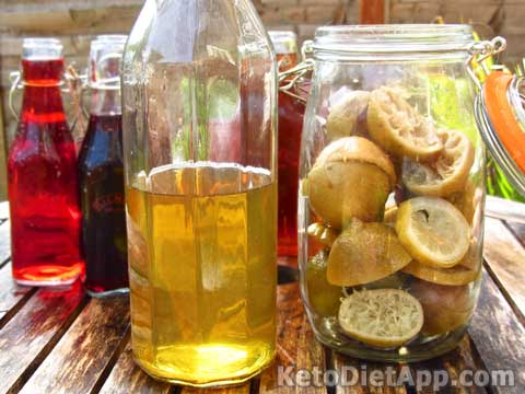 Homemade Fruit Vinegar (sugar-free)