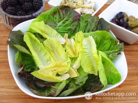 Grilled Chicken & Blackberry Salad