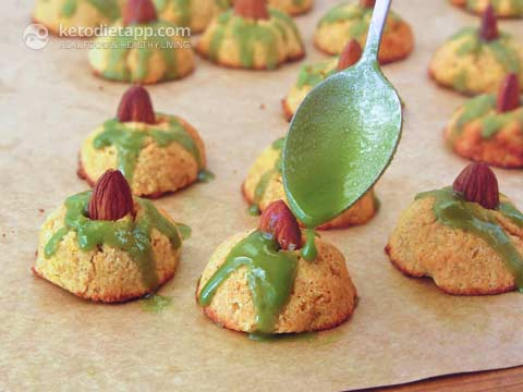 Low-Carb Witch Hat Halloween Cookies