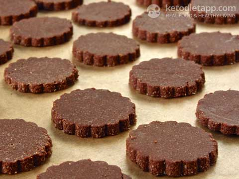 |Keto Chocolate & Pecan Cookies and Benefits of Soaking Nuts