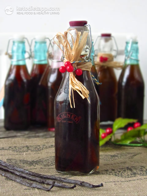 Homemade Vanilla Extract (Vanilla-Infused Vodka)