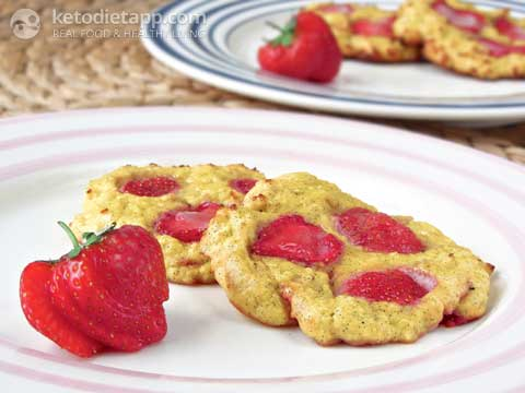 Baked Low-Carb Strawberry & Ricotta Pancakes