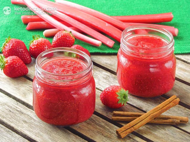 Homemade Strawberry & Rhubarb Jam