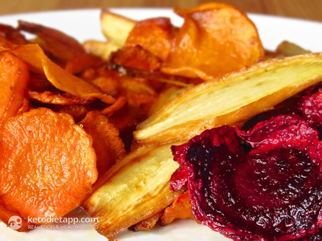 Low-Carb Mixed Vegetable Chips