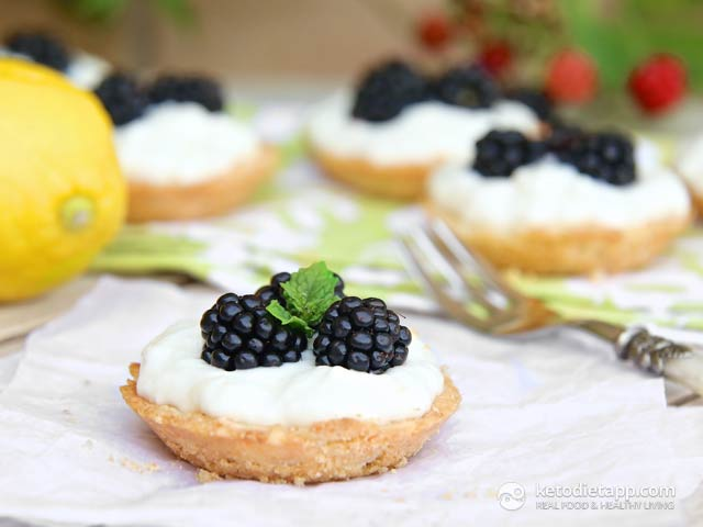 Low-Carb Blackberry & Lemon Mini Tarts