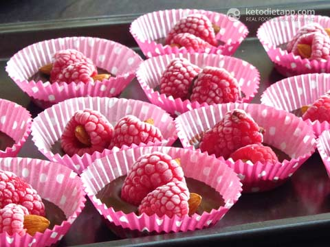 Dark Chocolate Raspberry Fat Bombs