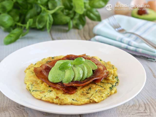 Easy Herbed Omelet with Avocado and Bacon