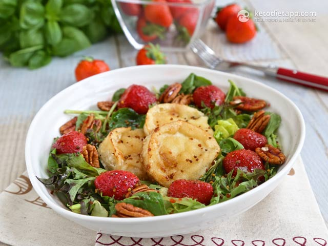 Low-Carb Roasted Strawberry & Goat Cheese Salad
