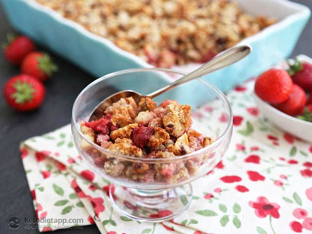 Strawberry & Rhubarb Crumble (Low-carb, Paleo)