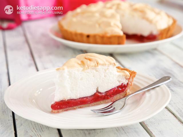 Low-Carb Raspberry Meringue Pie | The KetoDiet Blog