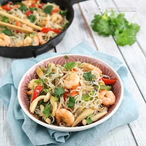 Low-Carb Prawn & Noodle Stir-Fry