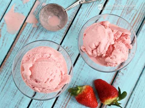 Low-Carb Strawberry & Crème Fraîche Ice-Cream