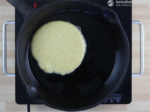 Easy Keto Blender Pancakes