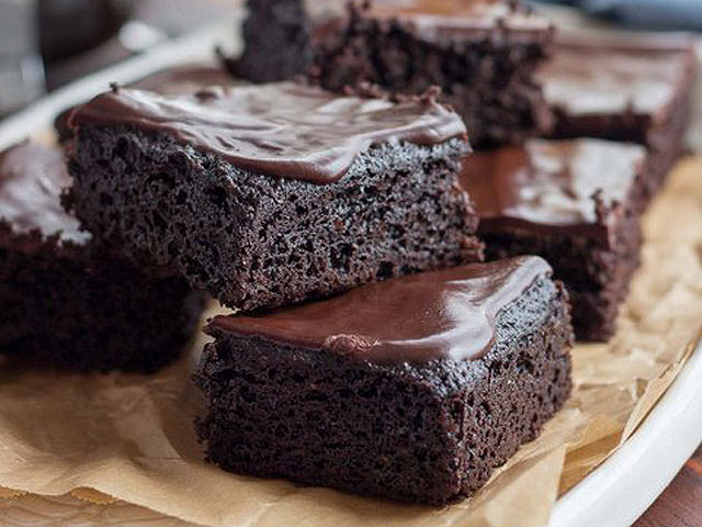 Fudgy Keto Brownies | The KetoDiet Blog