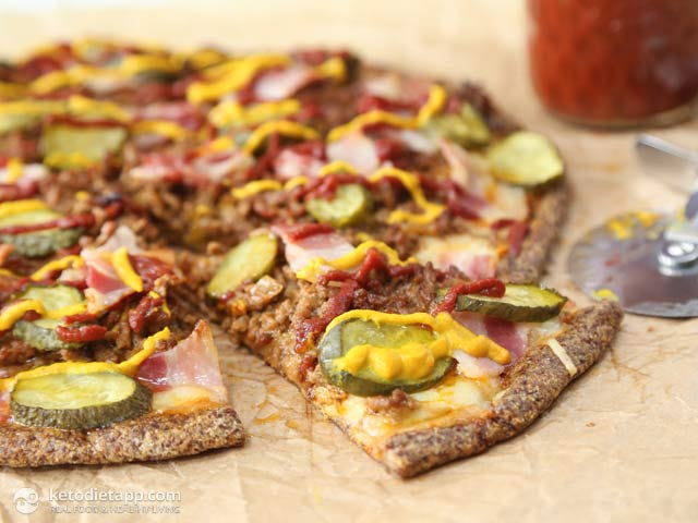 Keto Bacon Cheeseburger Pizza