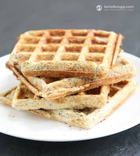 Cheesy Low-Carb & Keto Waffles