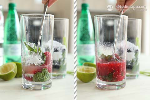 Low-Carb Raspberry & Blackberry Mojitos
