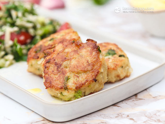 Keto Fish Cakes with Aioli | The KetoDiet Blog