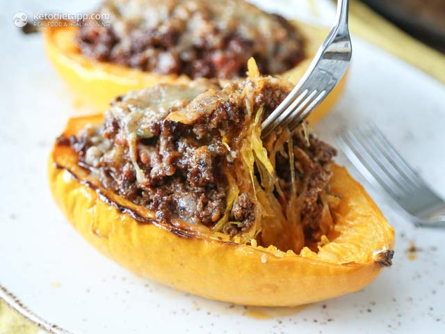 Low-Carb Chorizo Stuffed Spaghetti Squash