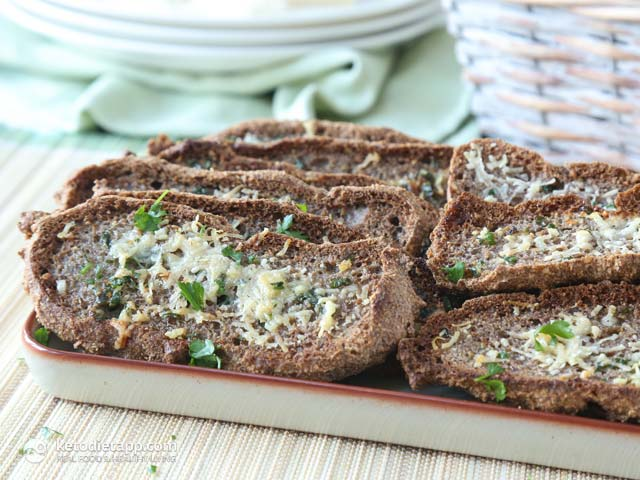 The Best Low-Carb Garlic Bread