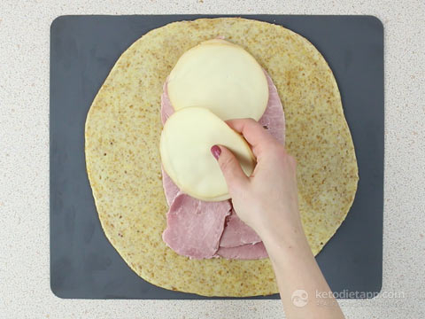 5-Ingredient Keto Ham & Cheese Pockets