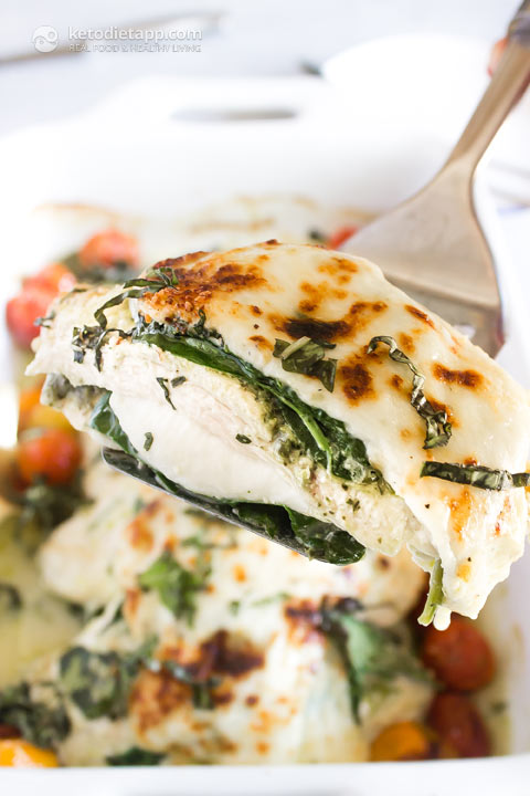 Low-Carb Pesto Caprese Chicken Casserole