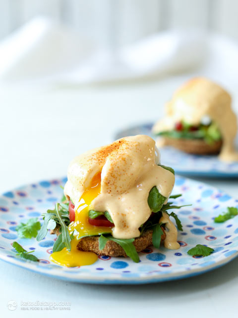 Keto California Eggs Benedict