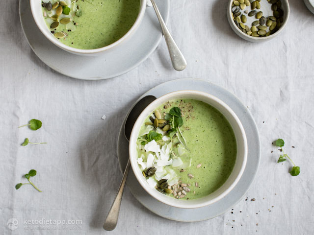 Low-Carb Cream of Broccoli & Coconut Soup