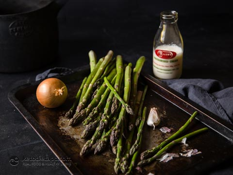 Low-Carb Cream of Asparagus Soup