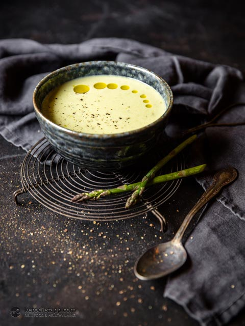 Low-Carb Cream of Asparagus Soup