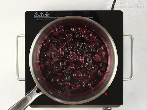 Low-Carb Mulled Wine Berry Jam