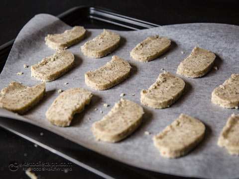 Low-Carb Lemon Myrtle Shortbread