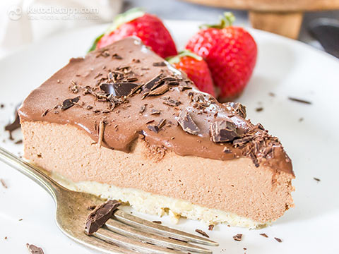 Low-Carb Raw Chocolate Cheesecake