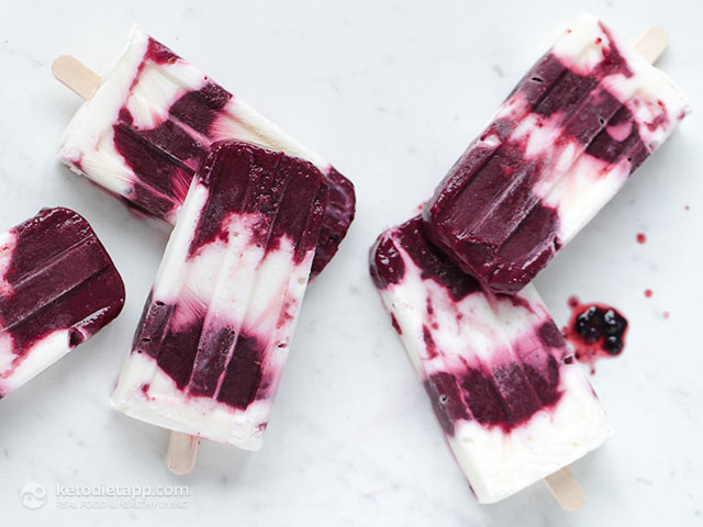 Sugar-Free Blackberry Yogurt Popsicles