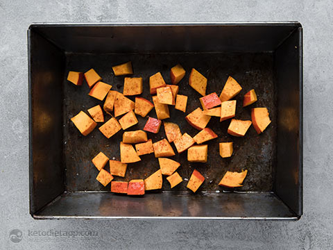 Low-Carb Roast Pumpkin & Halloumi Salad