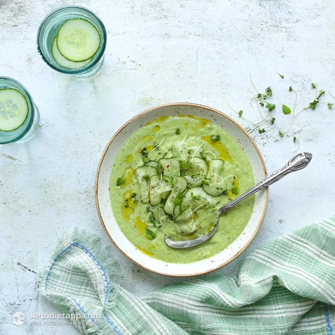 Low-Carb Chilled Cucumber Soup