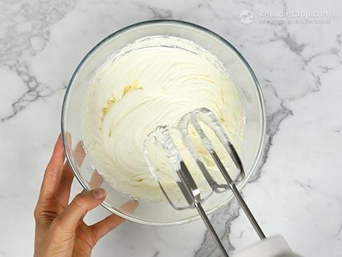 No-Churn Low Carb Lemon Ice Cream