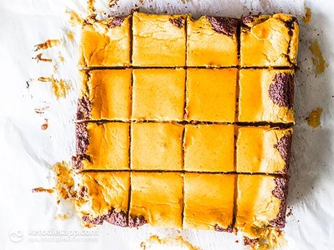 Low-Carb Pumpkin Cheesecake Brownies