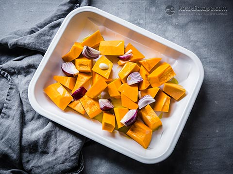 Low-Carb Roasted Pumpkin Soup