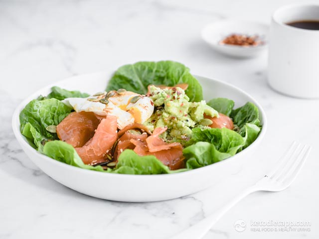 Smoked Salmon, Avocado & Egg Lunch Bowl