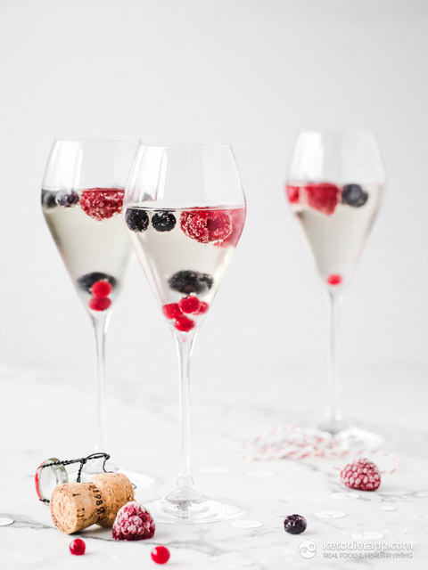 Easy Berry Infused Prosecco