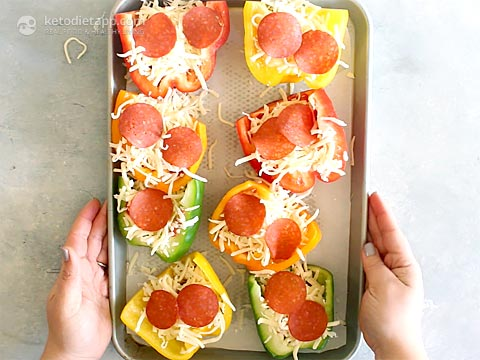Keto Mini Pepper Pizza Cups