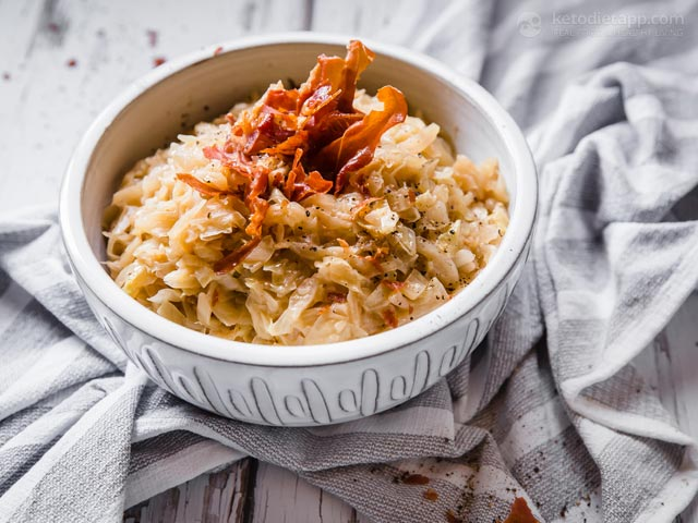 Low-Carb Butter Braised Cabbage with Crispy Ham
