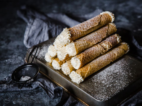How to Make Low-Carb Cannoli